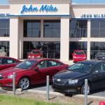 Pořídit si auto na úvěr, prostřednictvím leasingu, nebo za hotovost?